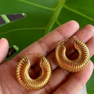 Vintage Twist Gold Hoops